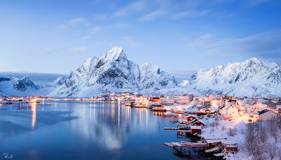 Stunning winter photo of Reine - Norway