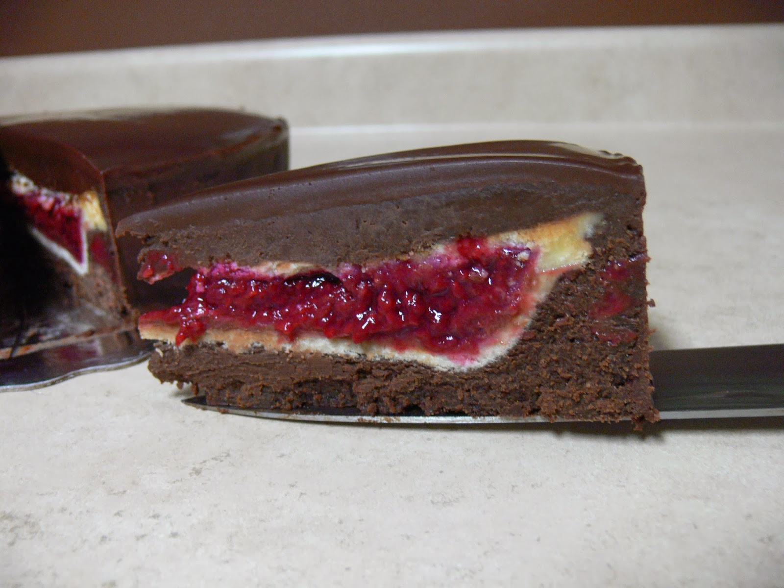 Flourless Chocolate And Raspberry Cake Recipe