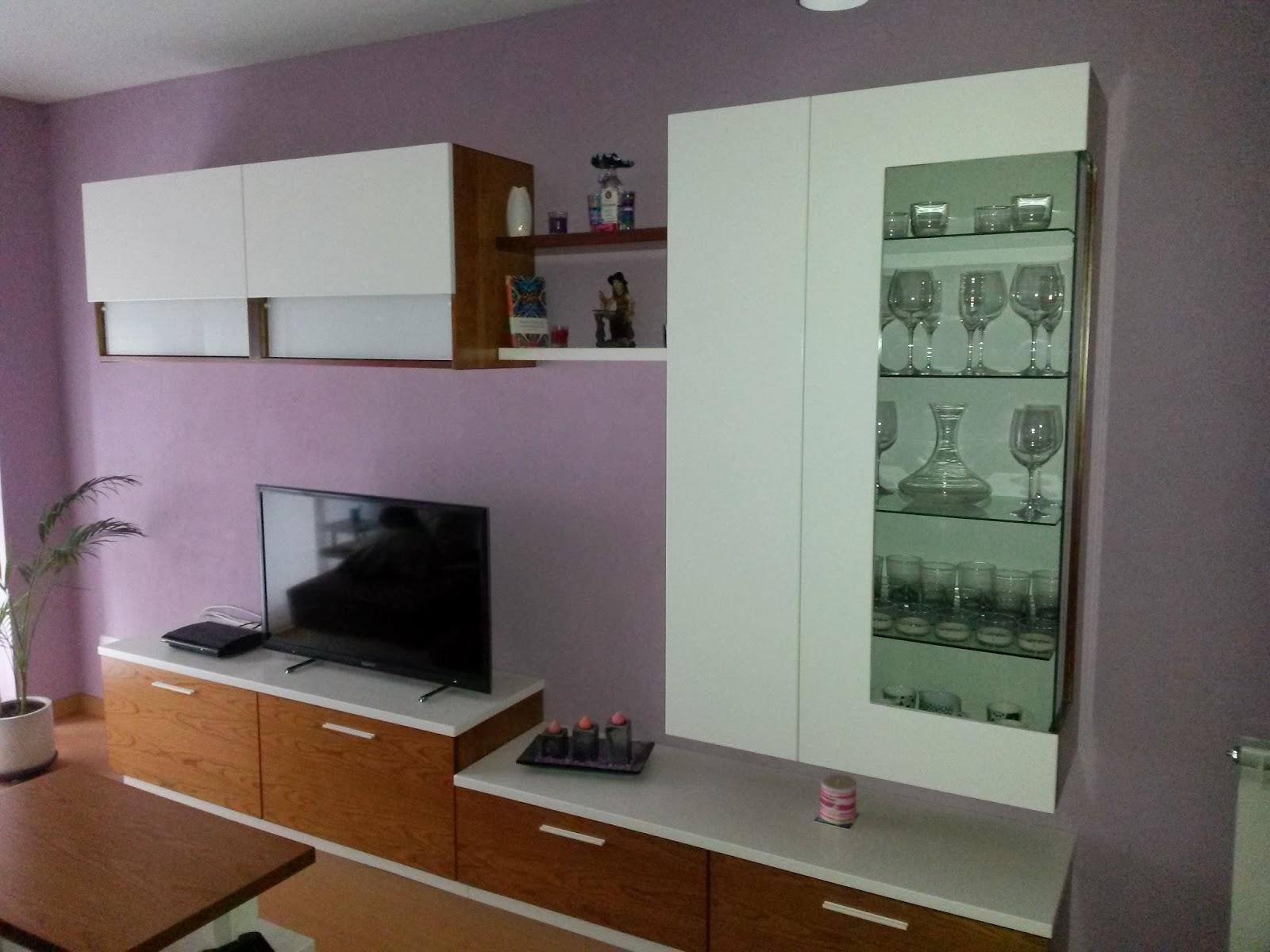 Muebles a medida mueble de salon lacado blanco combinado for Salon comedor lacado blanco