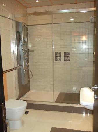 Nice Tub Shower Combo shower tub combo with jets Google