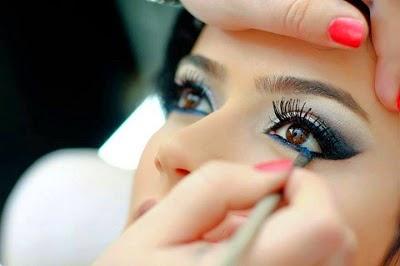 Wie wird die Braut an ihren Augen geschminkt