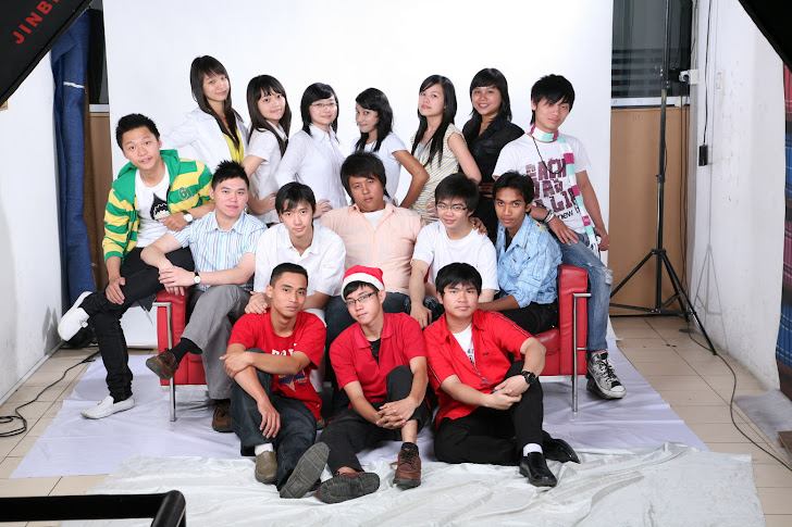and here's the senior of unpri creative, looks like a family, rigth?
