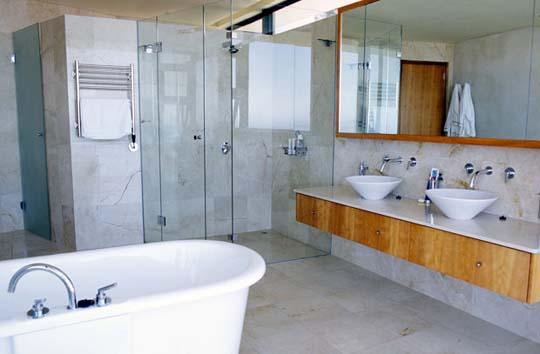 2013-luxury-bathroom-designs