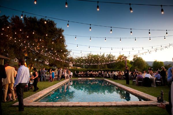 Outubro 2012 casando no ver o for Garden pool wedding