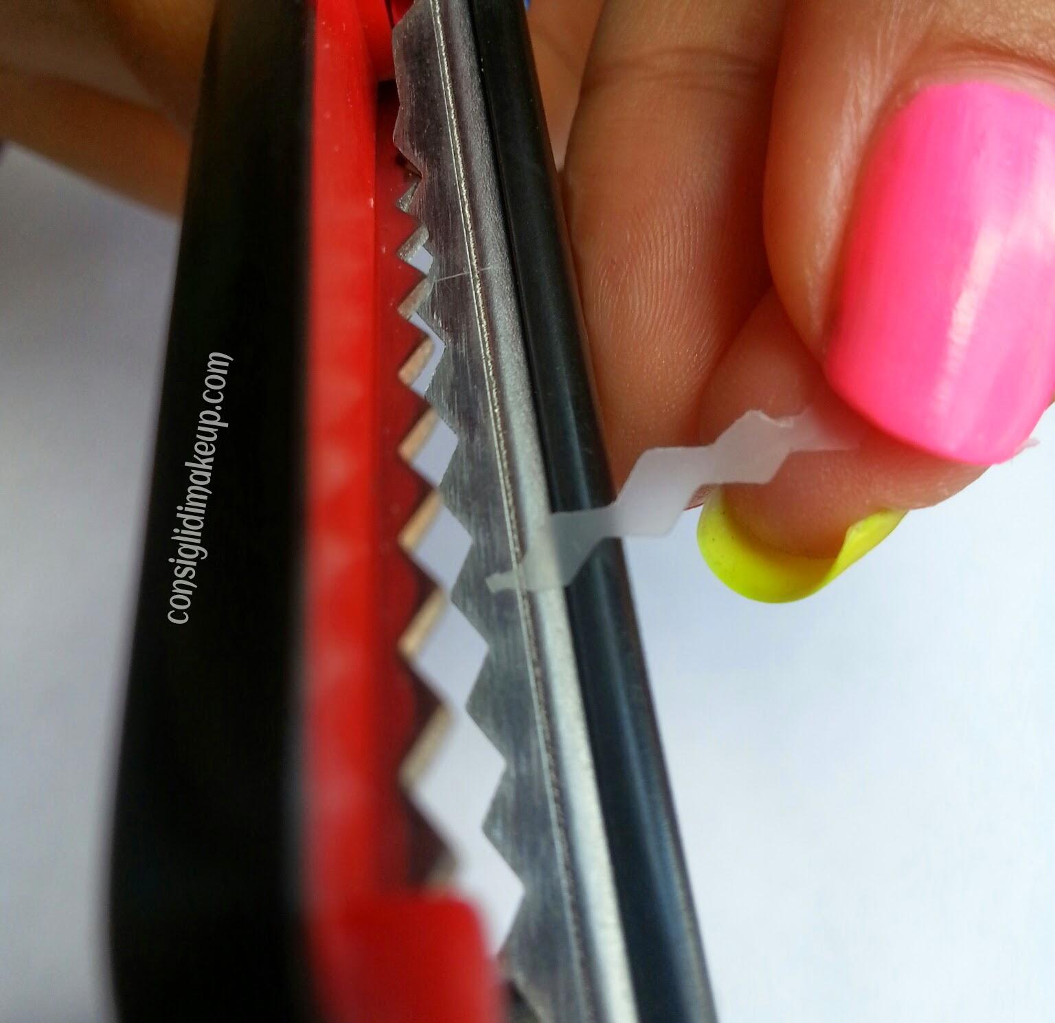 nail art fluo geometrica