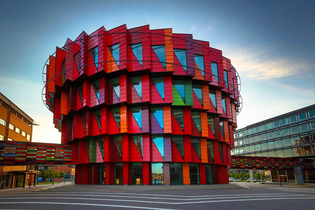 Desain Bangunan Dengan Konsep Green Building Kuggen