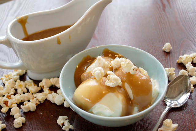 light-in-leaves: Buttered Popcorn Ice Cream with Salted Caramel Sauce