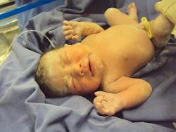 Manuela ao nascer