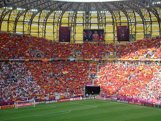 hinchada espaola en el arena gdansk, polonia