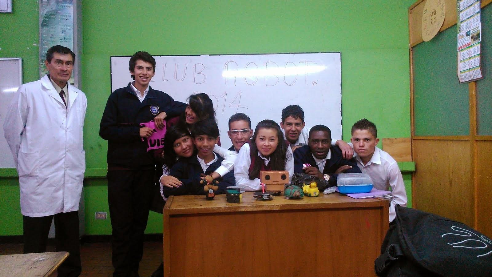 CLUB DE ROBOTICA 2014 ARP