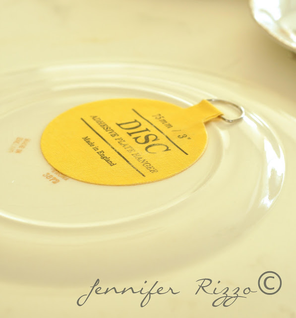 How to hang plates with a plate hanger