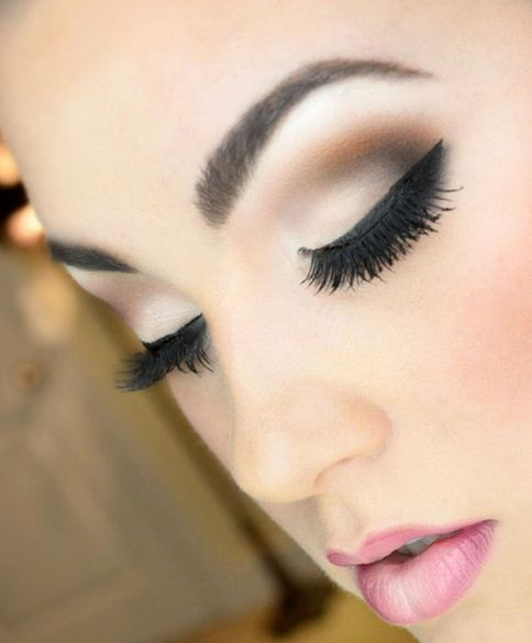im genes de ojos maquillados