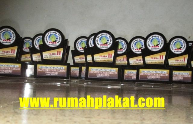Harga Plakat Murah, Plakat Murah Surabaya, Jual Plakat Murah, 0812.3365.6355, www.rumahplakat.com