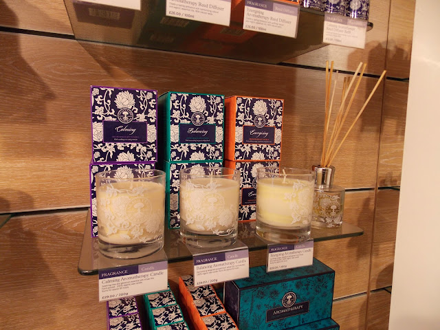 Neal's Yard Remedies, Energising Aromatherapy Candle