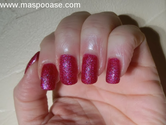 Marks-and-Spencer-textured-polish-swatch