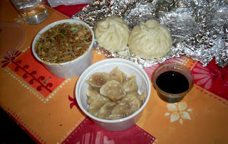 tallarines, empanadillas y panes chinos