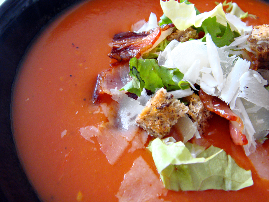 tasty guilty pleasures potage de tomates blt. Black Bedroom Furniture Sets. Home Design Ideas