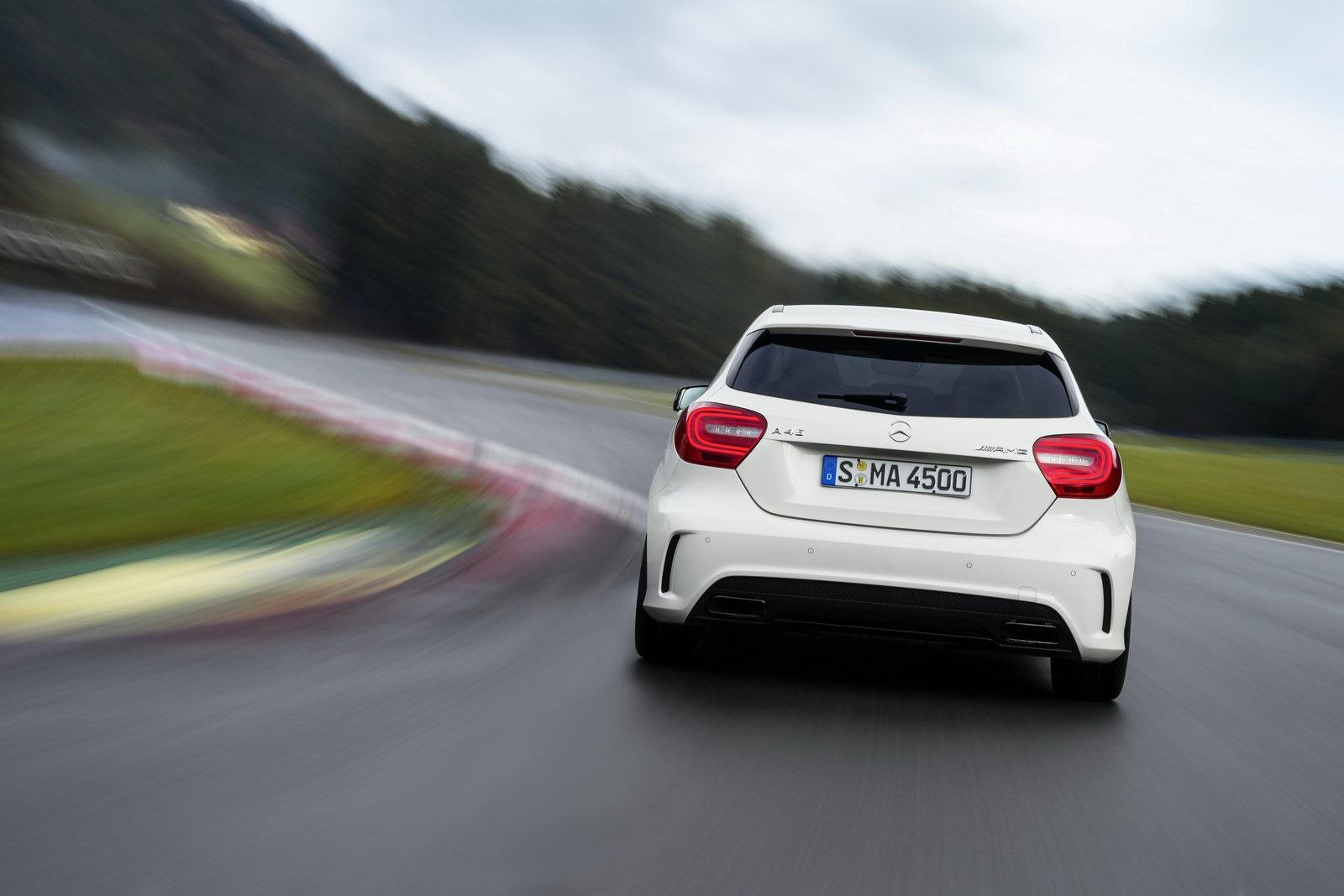 http://3.bp.blogspot.com/-uiWFYhJBbfQ/UTfEyBHf5dI/AAAAAAAASWs/4NojWOnsbj8/s1600/Mercedes-Benz-A-45-AMG-22%5B2%5D.jpg
