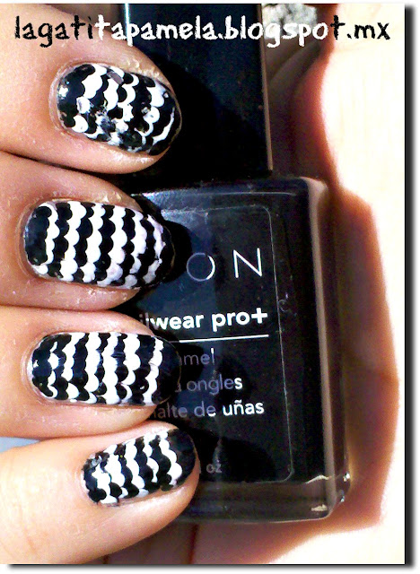 black and white ruffle mani
