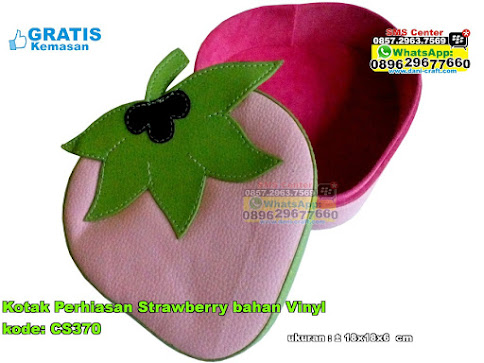 Kotak Perhiasan Strawberry Bahan Vinyl