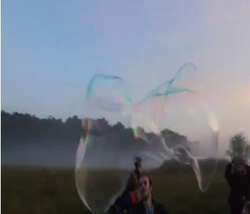 brincadeiras com bolhas de sabão gigantes