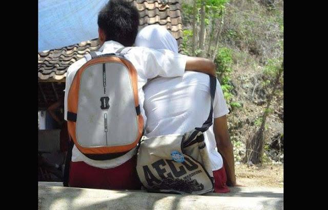 Foto 'Berduaan' Pelajar SD ini Hebohkan Sosial Media