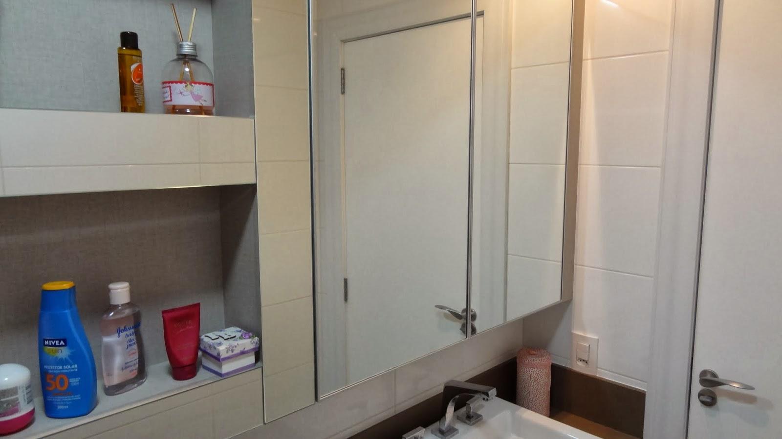 ao acabamento: Lavabo Social e Banheiro da Suíte Casal Reta final #104083 1600x900 Acessorios Banheiro Perflex
