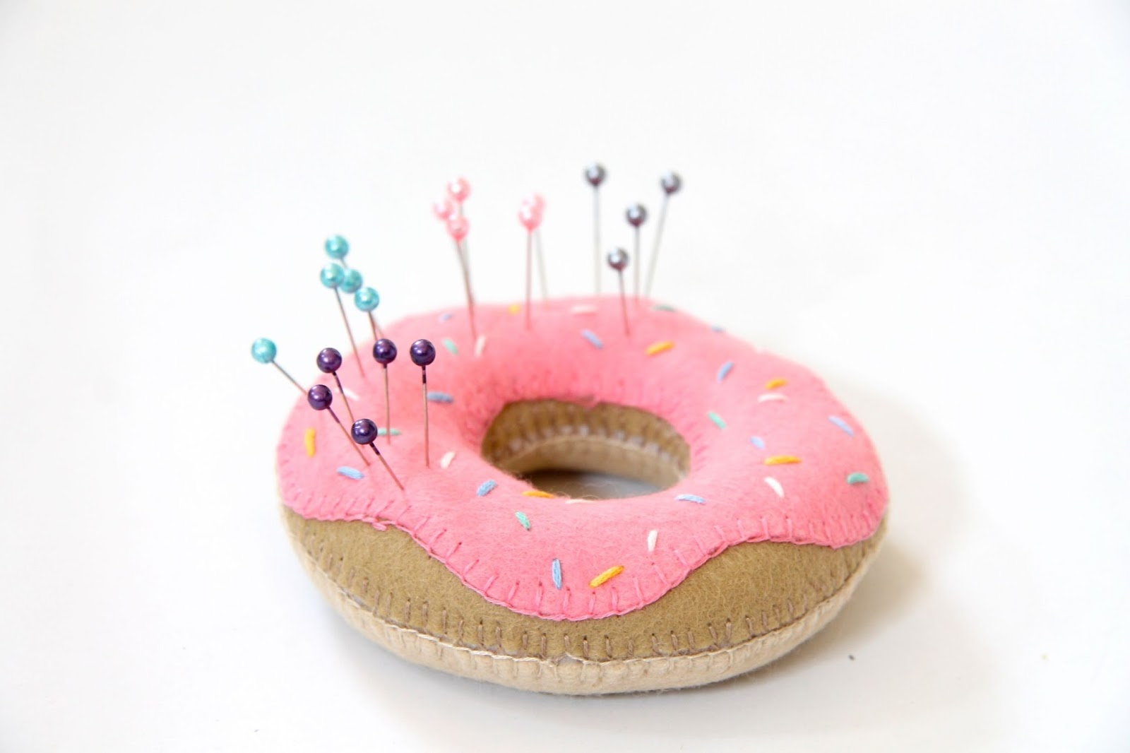 DIY Felt Doughnut Pin Cushion Tutorial