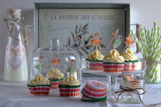 Cupcakes de vainilla con crema de vainilla