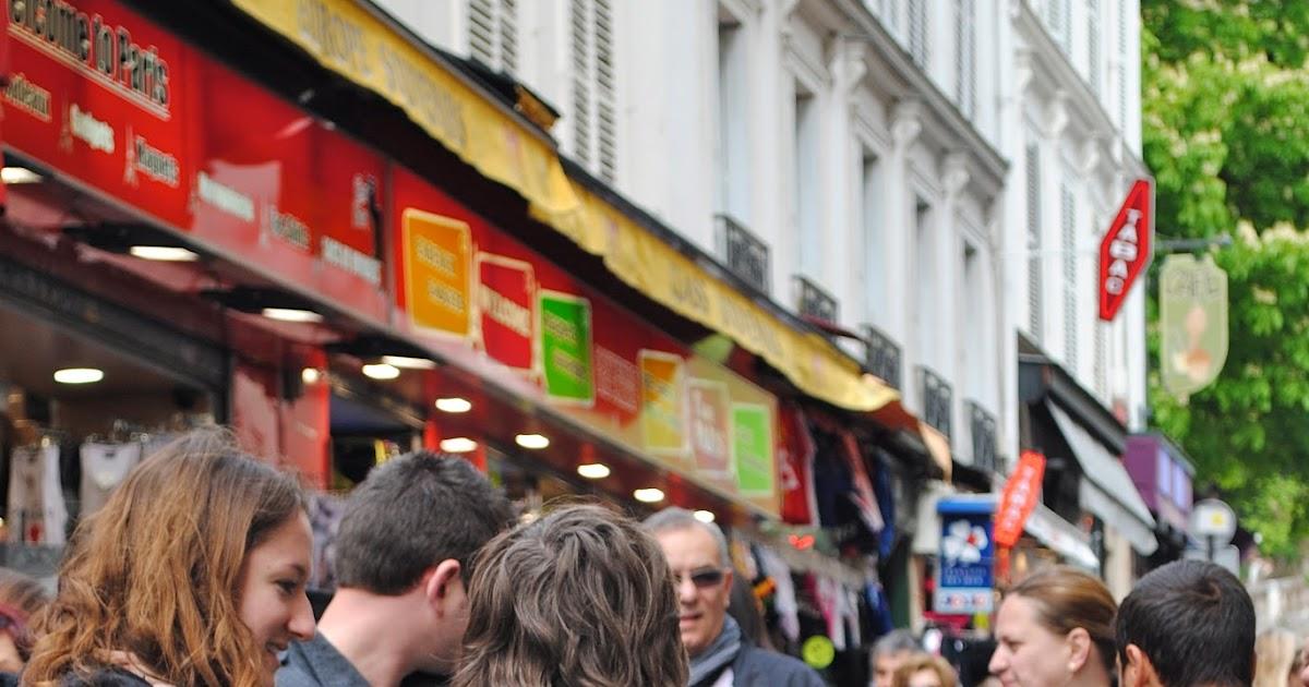 Paris rendezvous and beyond paris street march rue des for Miroir rue des martyrs