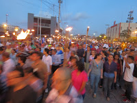 (Fotos) Honduras: Desbordante movilización popular alumbra el camino con sus antorchas