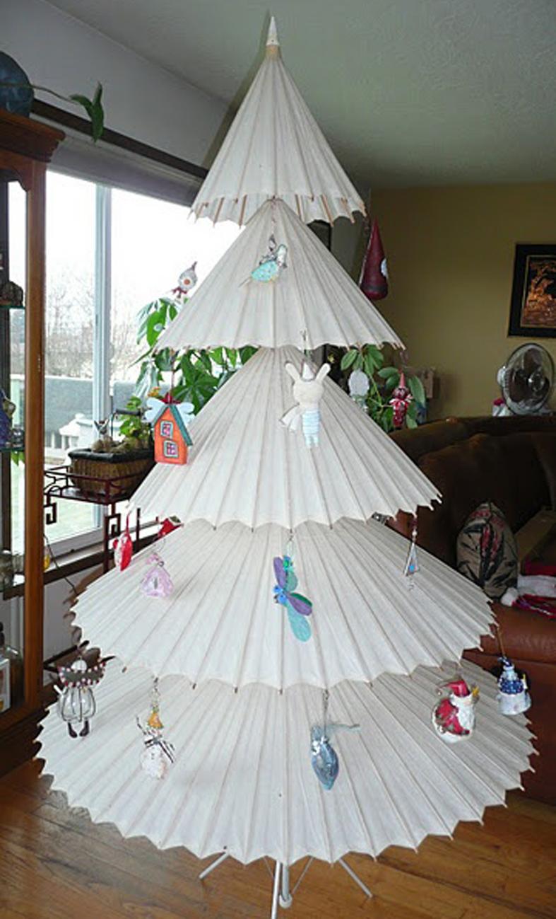 Detallelogia rboles de navidad reciclando papel - Adornos de navidad con papel ...