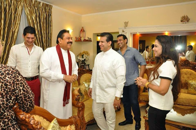 http://picture.gossiplankahotnews.com/2014/06/president-visit-to-duminda-silvas.html