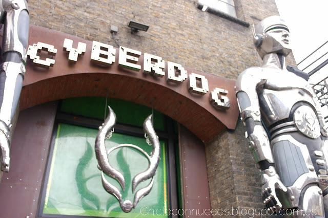 Cyberdog Camden Town Londres