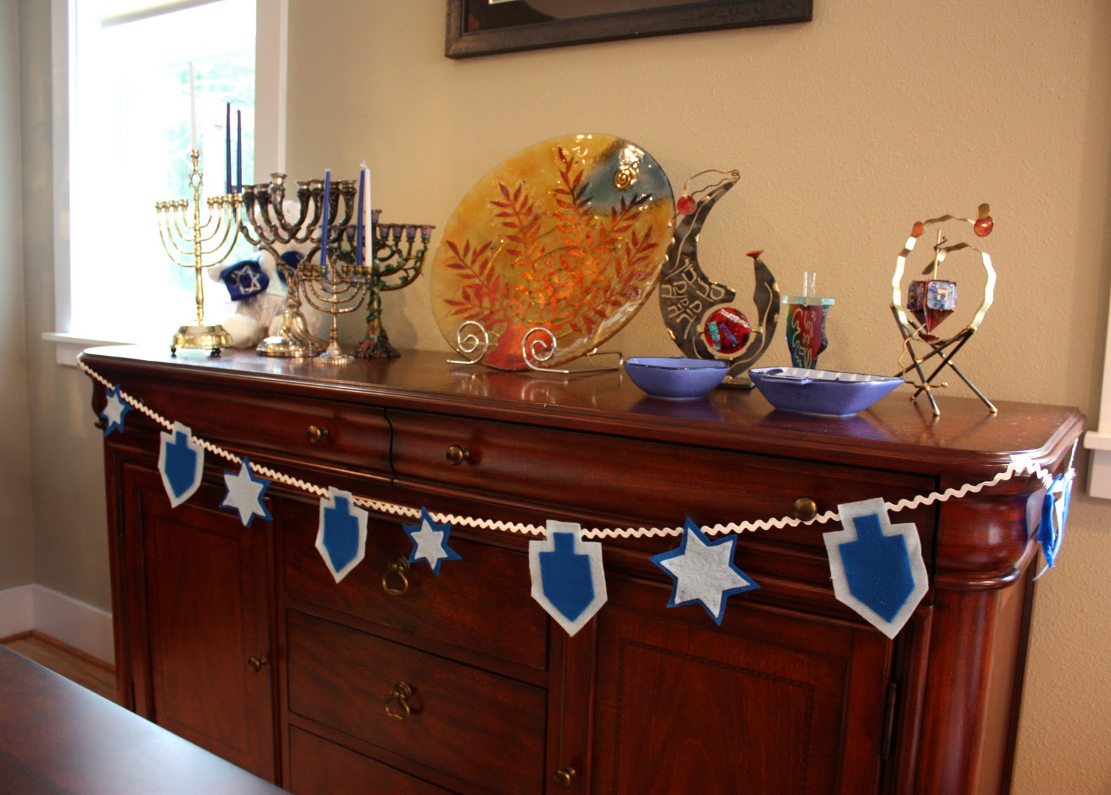 Repeat crafter me decking the halls for hanukkah diy style for Decoration hanouka
