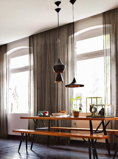 Designklassiker im skandinavischen Mid-Century Design in Berlin: Tisch-Bank-Ensemble!