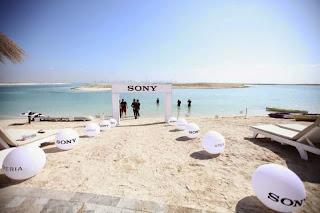 toko smartphone sony xperia didalam laut