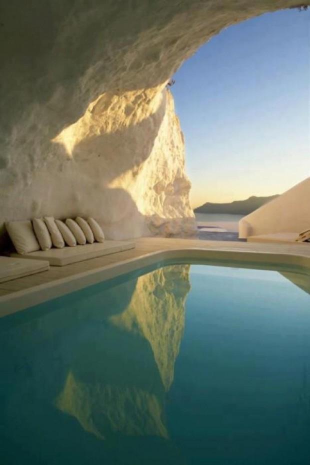 Natural Pool – Santorini, Greece