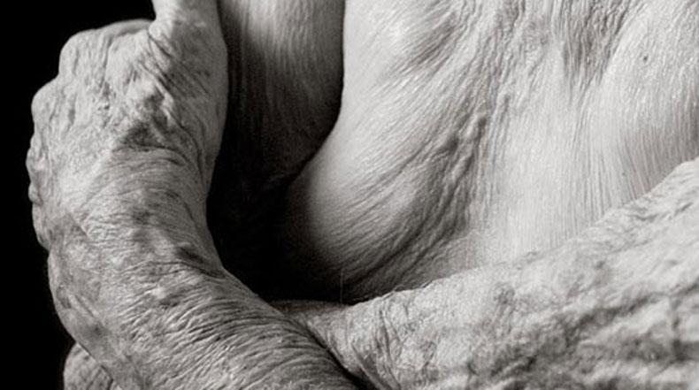 Serie de fotos revela como el cuerpo humano se ve cuando alcanza los 101 años de edad