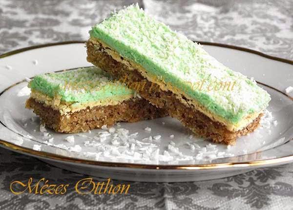 finom diós sütemény mandulás krémmel fotó