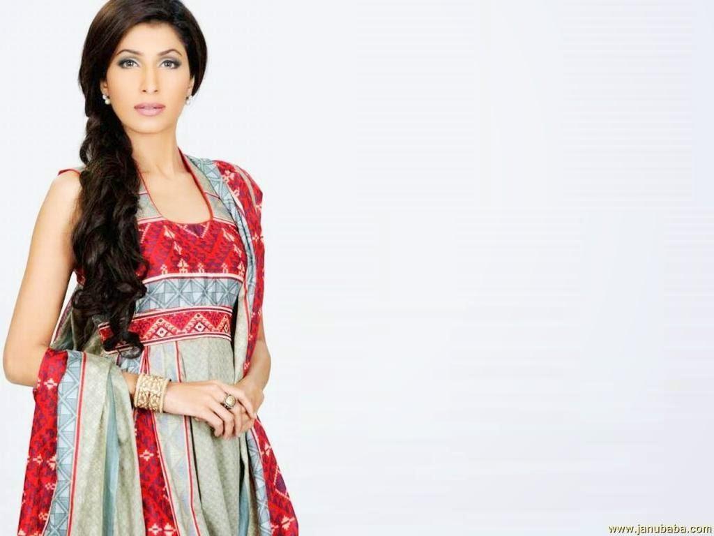 Beautiful Vaneeza Ahmad HD Wallpaper