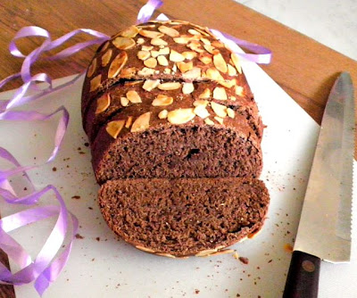 Chocolate Loaf Recipe @ http://treatntrick.blogspot.com
