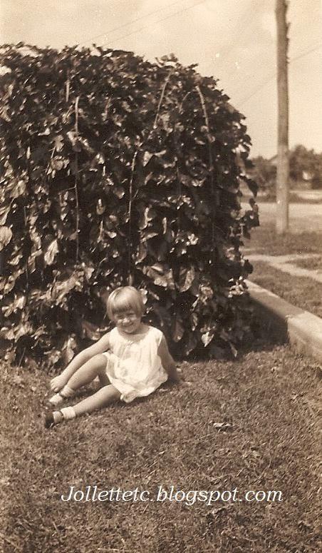 Mary Eleanor Davis Slade Shenandoah, VA  1932 or 1933
