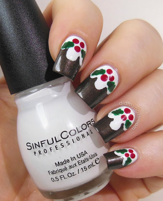 Christmas pudding nail art