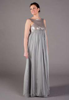 Idee di alcuni abiti da sera per donne in stato di gravidanza