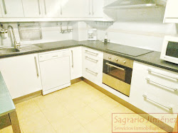 Piso en venta en Novo Mesoiro, tres dormitorios, garaje. A Coruña