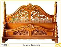 Tempat tidur kayu jati ukir jepara Mawar Kuncung murah.Jakarta