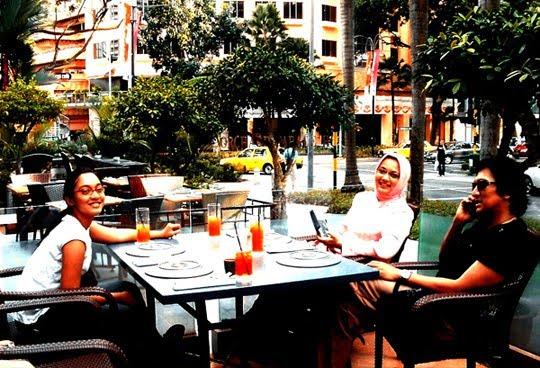 Ikang Fawzi, Mariss Haque, Isabella Fawzi in Sngapore