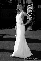 B&W pictures of Miranda Kerr wearing a sexy white dress, at ESPY awards - pic 5