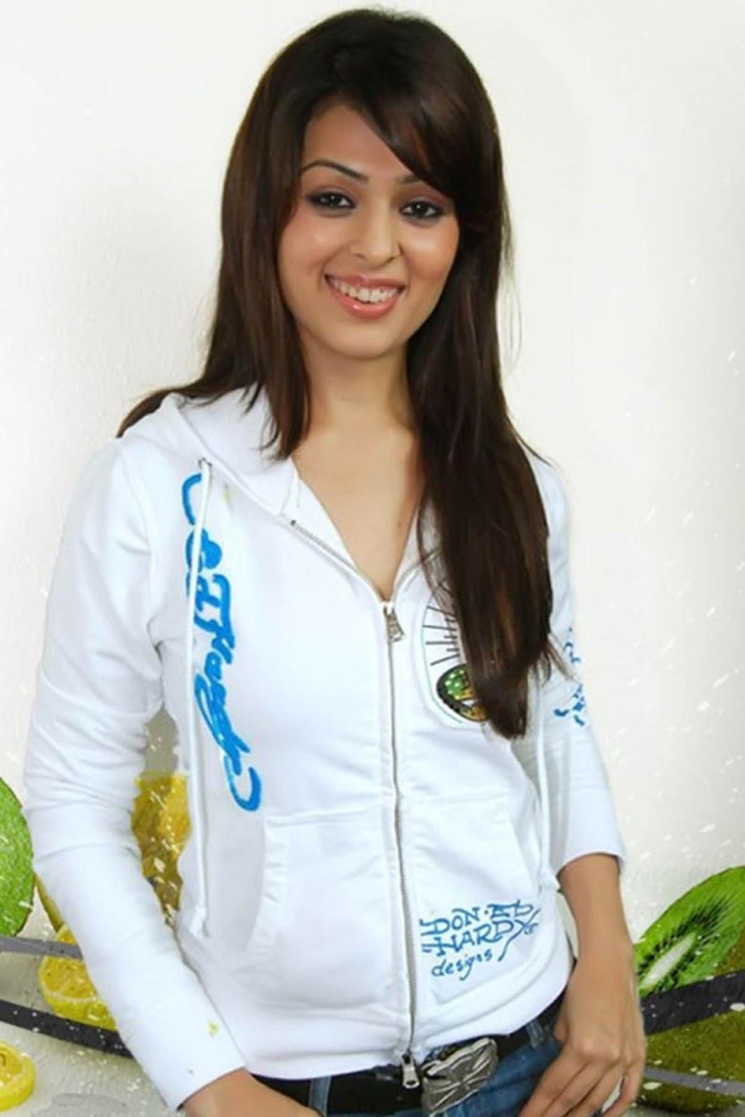 Movie Hub: Anjana Sukhani Hot Photos,Stills
